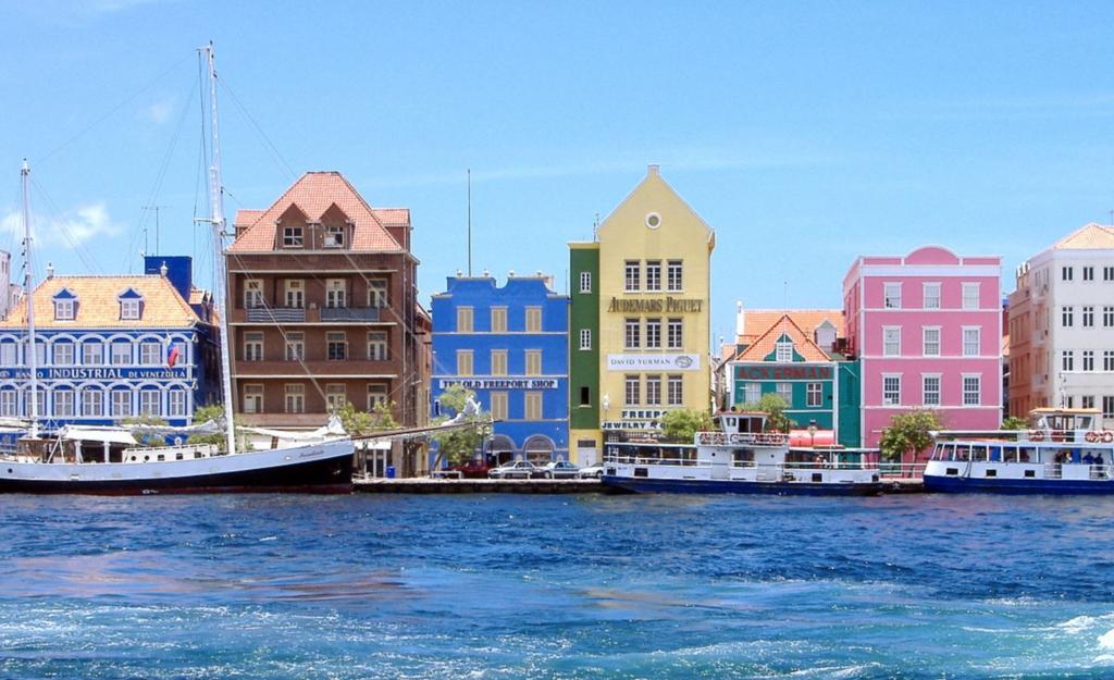 Photo of PJ2T – Curacao Island, SA-099