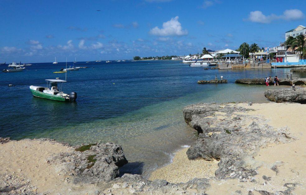 Photo of ZF2YL & ZF2LA – Cayman Islands, NA-016